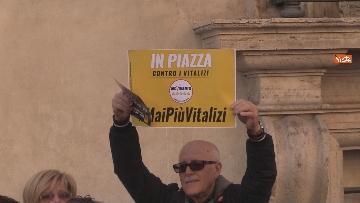 7 - Movimento Cinque Stelle manifesta conro i vitalizi a Roma