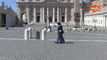 4 - Le Campane suonano in una Piazza San Pietro deserta