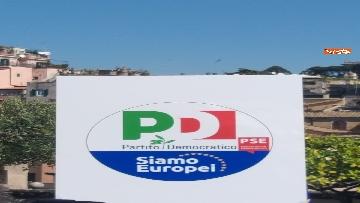 2 - Europee, Zingaretti, Calenda e Gentiloni presentano simbolo PD con