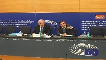 13 - Il Commissario Ue Avramopoulos al Parlamento di Strasburgo