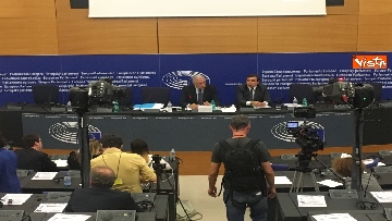 17 - Il Commissario Ue Avramopoulos al Parlamento di Strasburgo