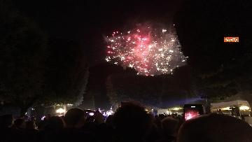 1 - Lo spettacolo dei fuochi d'artificio alla festa per il 4 luglio dell'ambasciata Usa