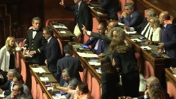 6 - Bagarre in aula durante l'intervento di Salvini