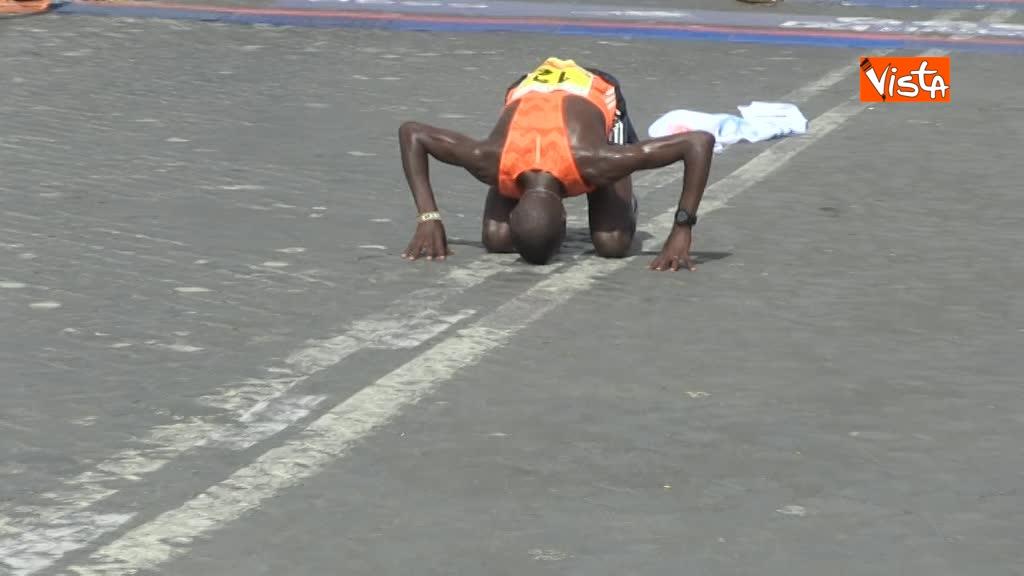 08-04-18 Maratona di Roma, ecco l'arrivo dei vincitori 02