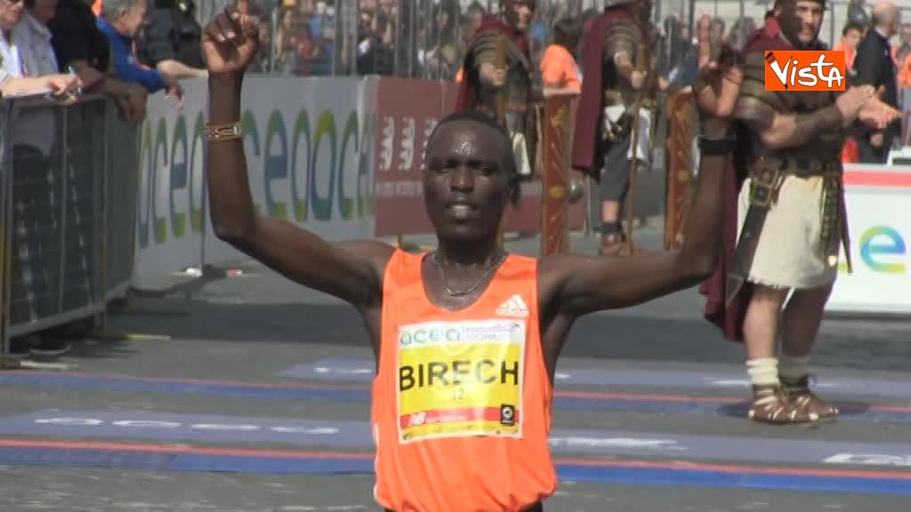 08-04-18 Maratona di Roma, ecco l'arrivo dei vincitori 04