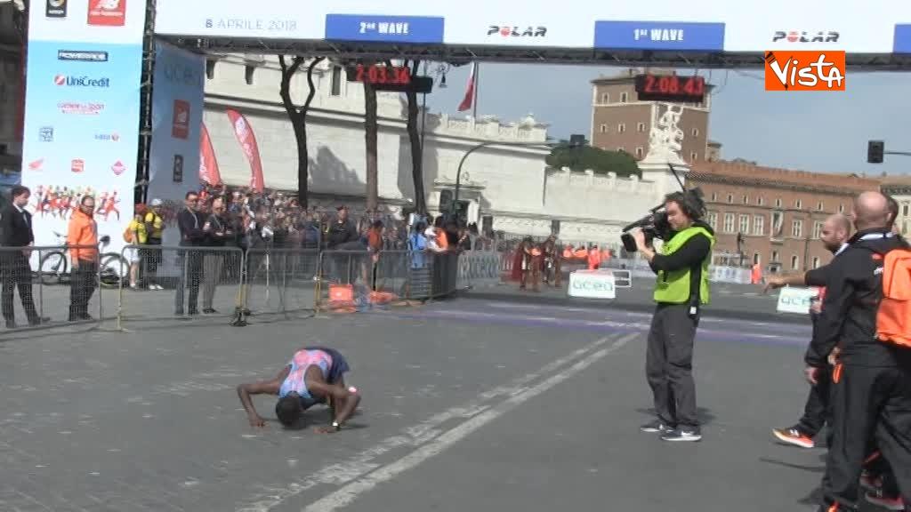 08-04-18 Maratona di Roma, ecco l'arrivo dei vincitori 05