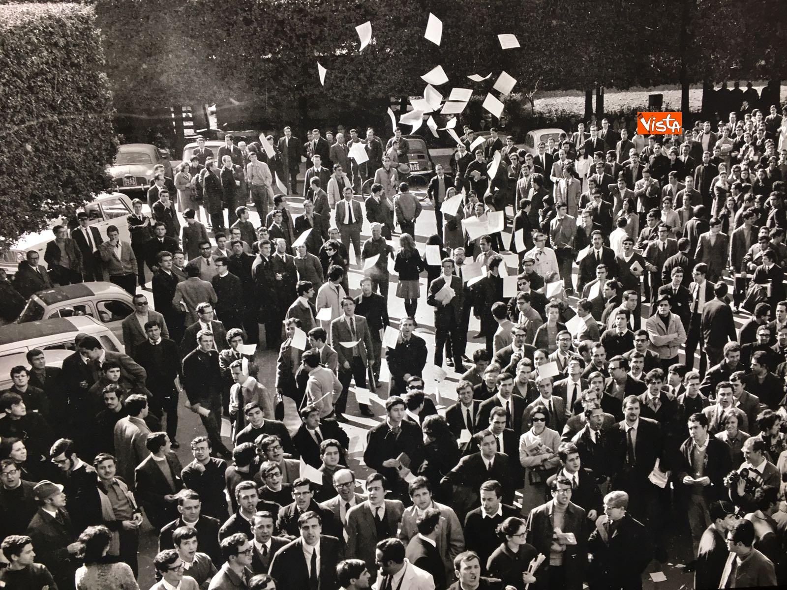 04-05-18 Dreamers1968 Le immagini della mostra organizzata dall AGI_19