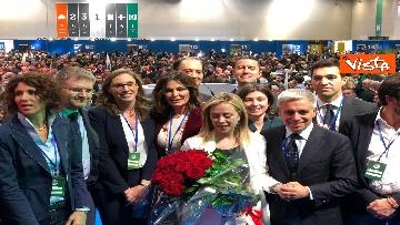 10 - Meloni fa foto con i candidati di FdI alle europee