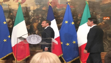 11 - Conte e Macron in conferenza stampa a Palazzo Chigi
