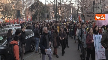 4 - Corteo dei centri sociali a Milano contro il decreto Salvini