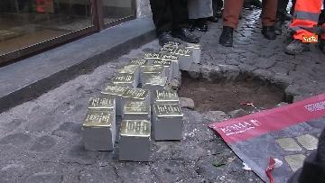 2 - Ripristinate le pietre d'inciampo nel quartiere Monti a ROma