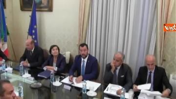 6 - Salvini a Napoli per il comitato di sicurezza tra contestatori e sostenitori