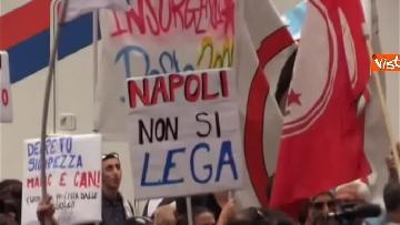 9 - Salvini a Napoli per il comitato di sicurezza tra contestatori e sostenitori