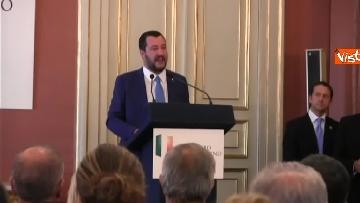 7 - Salvini a Napoli per il comitato di sicurezza tra contestatori e sostenitori
