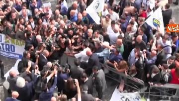 11 - Salvini a Napoli per il comitato di sicurezza tra contestatori e sostenitori