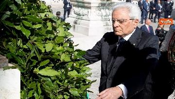 6 - Festa della Repubblica, Mattarella rende omaggio a Monumento Milite Ignoto all'Altare della Patria