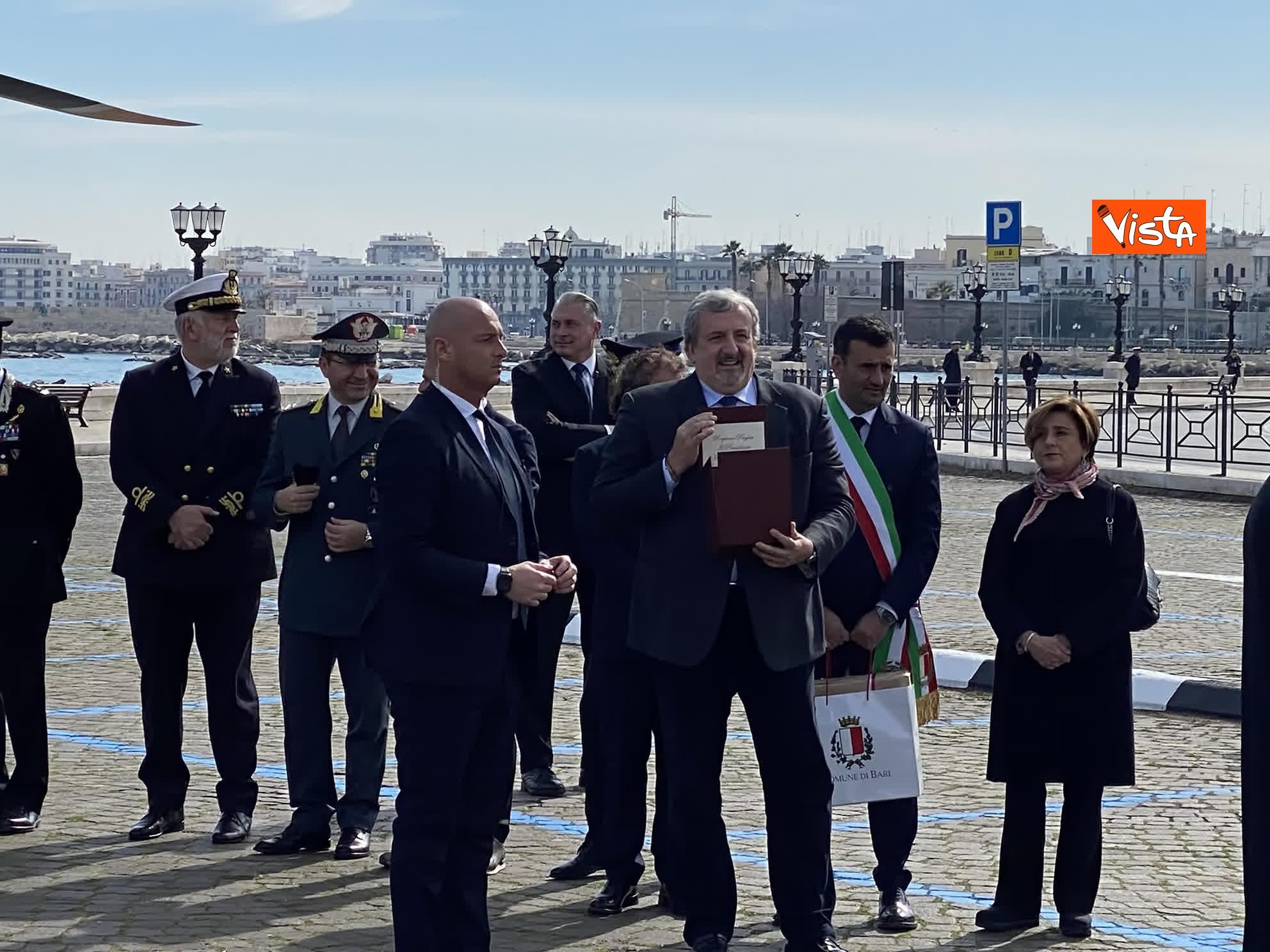 23-02-20 Il Papa a Bari incontra il presidente della Regione Puglia Michele Emiliano