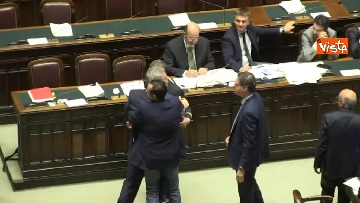 3 - Scontro in aula tra PD e Fratelli d'Italia, rissa sfiorata tra i deputati