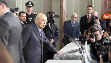 6 - Napolitano dopo il colloquio con Mattarella immagini