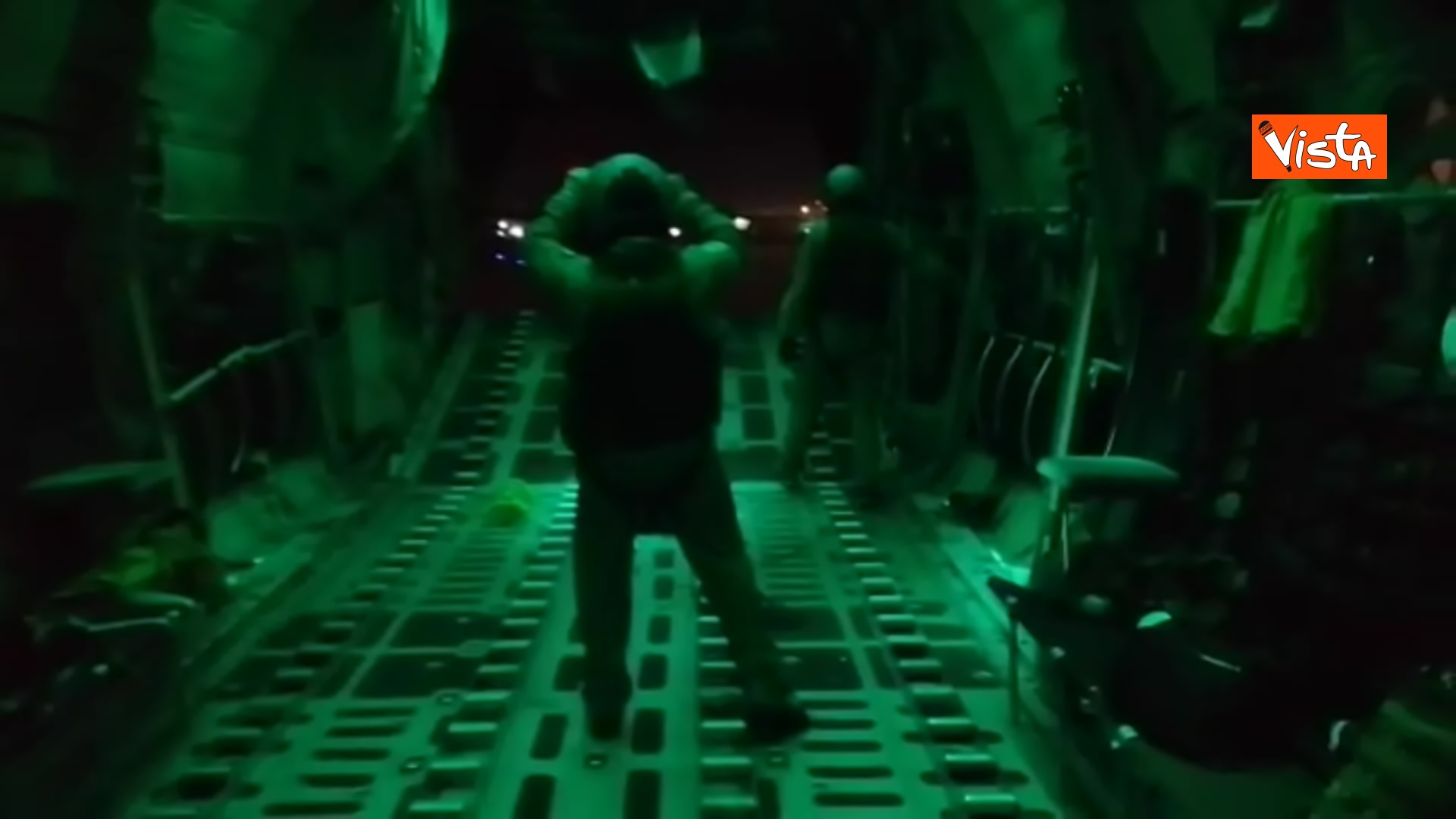 27-08-21 Finisce il ponte aereo Roma Kabul,. la chiusura del portellone