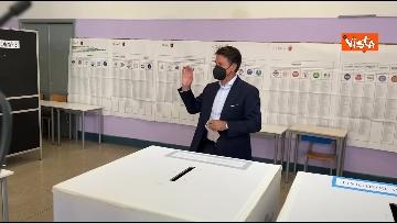10 - Conte alle urne per le elezioni, il momento del voto