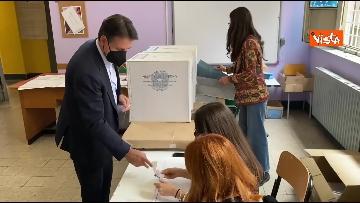 2 - Conte alle urne per le elezioni, il momento del voto