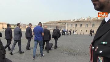 6 - Trolley e zainetto, così Cottarelli va verso il Quirinale