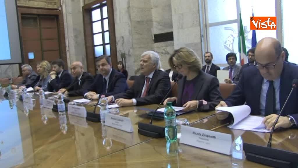 21-03-18 Firma intese per Roma Capitale al Mise i Ministri e Zingaretti