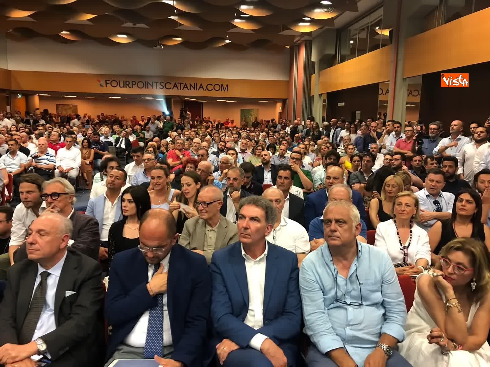 11-07-19 E sempre piu blu, Meloni ufficializza entrata a FdI del sindaco di Catania_06
