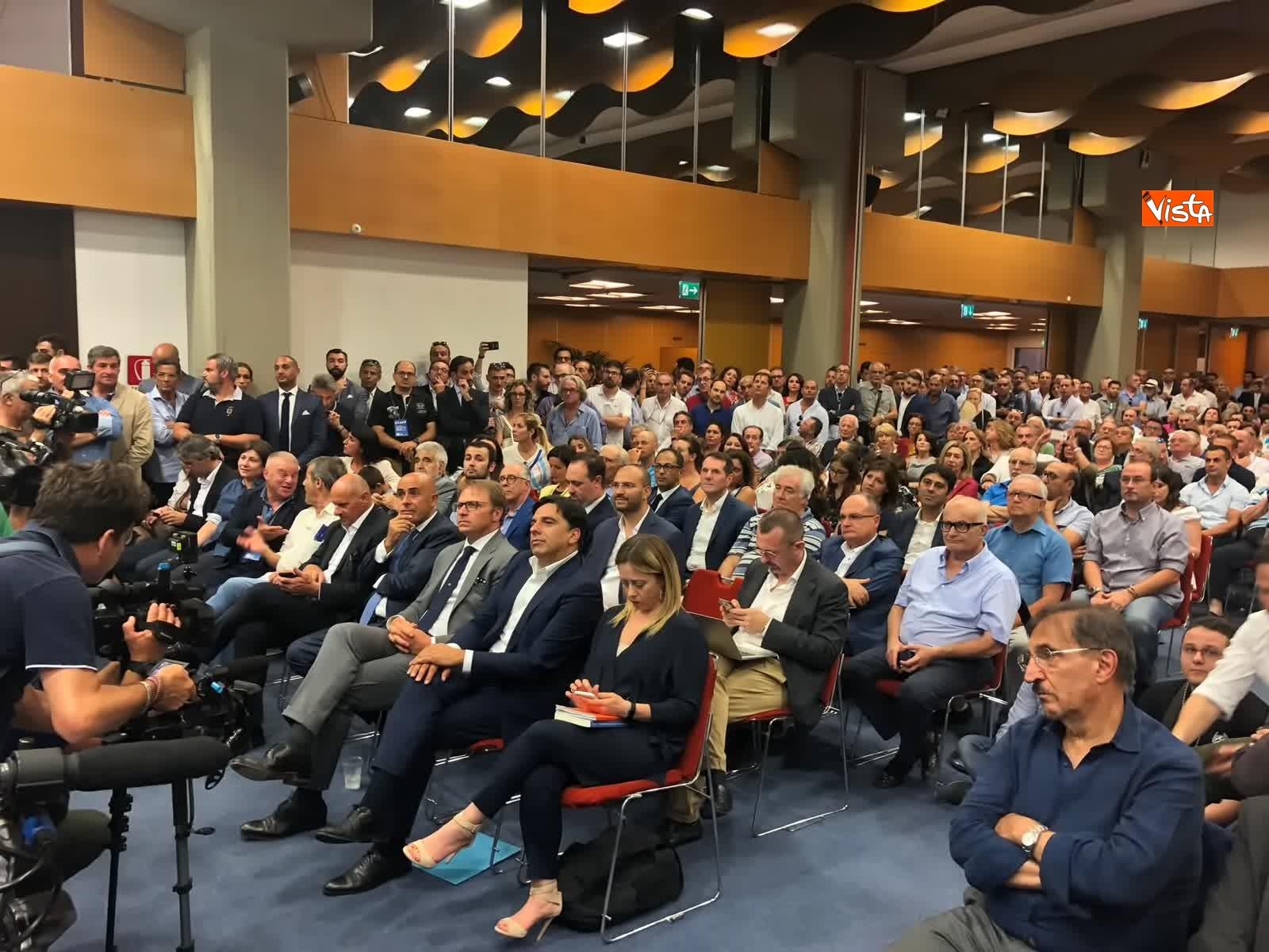 11-07-19 E sempre piu blu, Meloni ufficializza entrata a FdI del sindaco di Catania_04