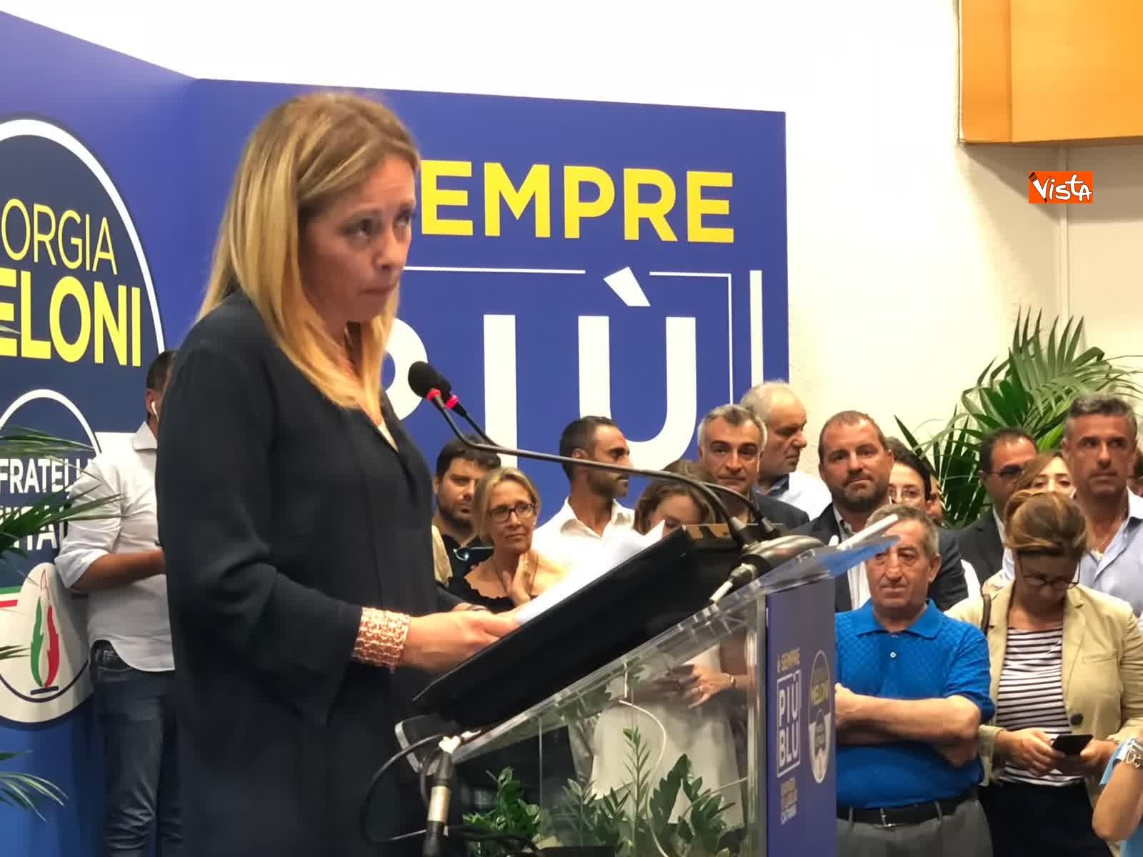 11-07-19 E sempre piu blu, Meloni ufficializza entrata a FdI del sindaco di Catania_10