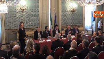 2 - Salvini e Fontana alla sottoscrizione dell'accordo riguardante la promozione della Sicurezza Integrata
