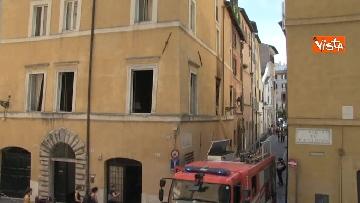 6 - Incendio in un appartamento nel centro di Roma, l'intervento dei Vigili del Fuoco