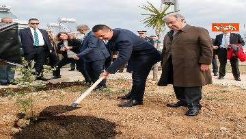 1 - Onu, Calorosa accoglienza per Di Maio e Guterres al Centro Servizi Globale di Brindisi