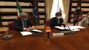 1 - Franceschini e Cai firmano protocollo per turismo montano sostenibile