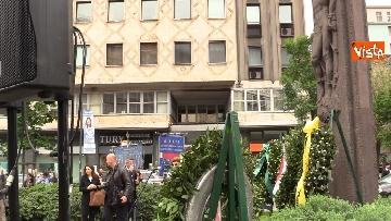 1 - 25 Aprile, deposte le corone in piazzale Loreto sotto il Monumento in ricordo dei Quindici Martiri