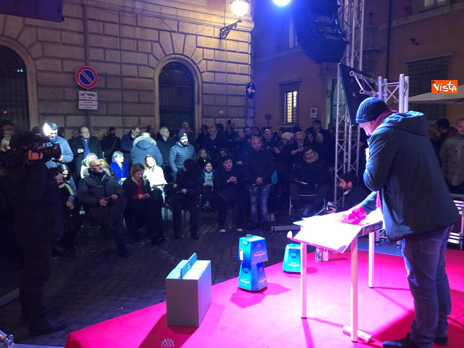 La festa di natale di Fratelli d'Italia, tra prodotti locali e tombolata sovranista_20