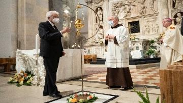 11 - Mattarella accende la Lampada per la Pace a Loreto