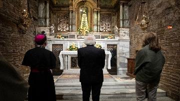 13 - Mattarella accende la Lampada per la Pace a Loreto