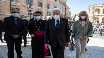 3 - Mattarella accende la Lampada per la Pace a Loreto