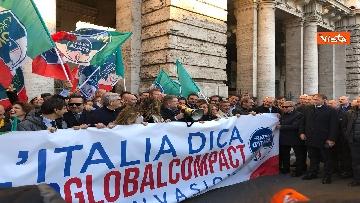 1 - Migranti, 'No Global compact' la manifestazione di FdI con Meloni