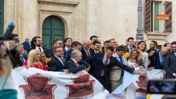 1 - La festa del Movimento 5 Stelle per il taglio dei parlamentari