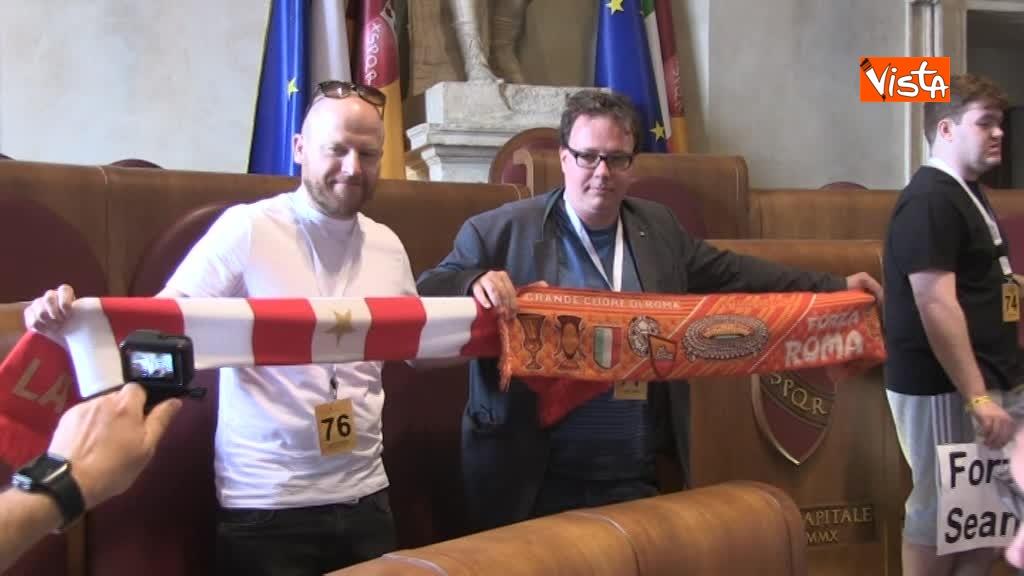 Roma Liverpool delegazione tifosi inglesi ricevuta in Campidoglio _04