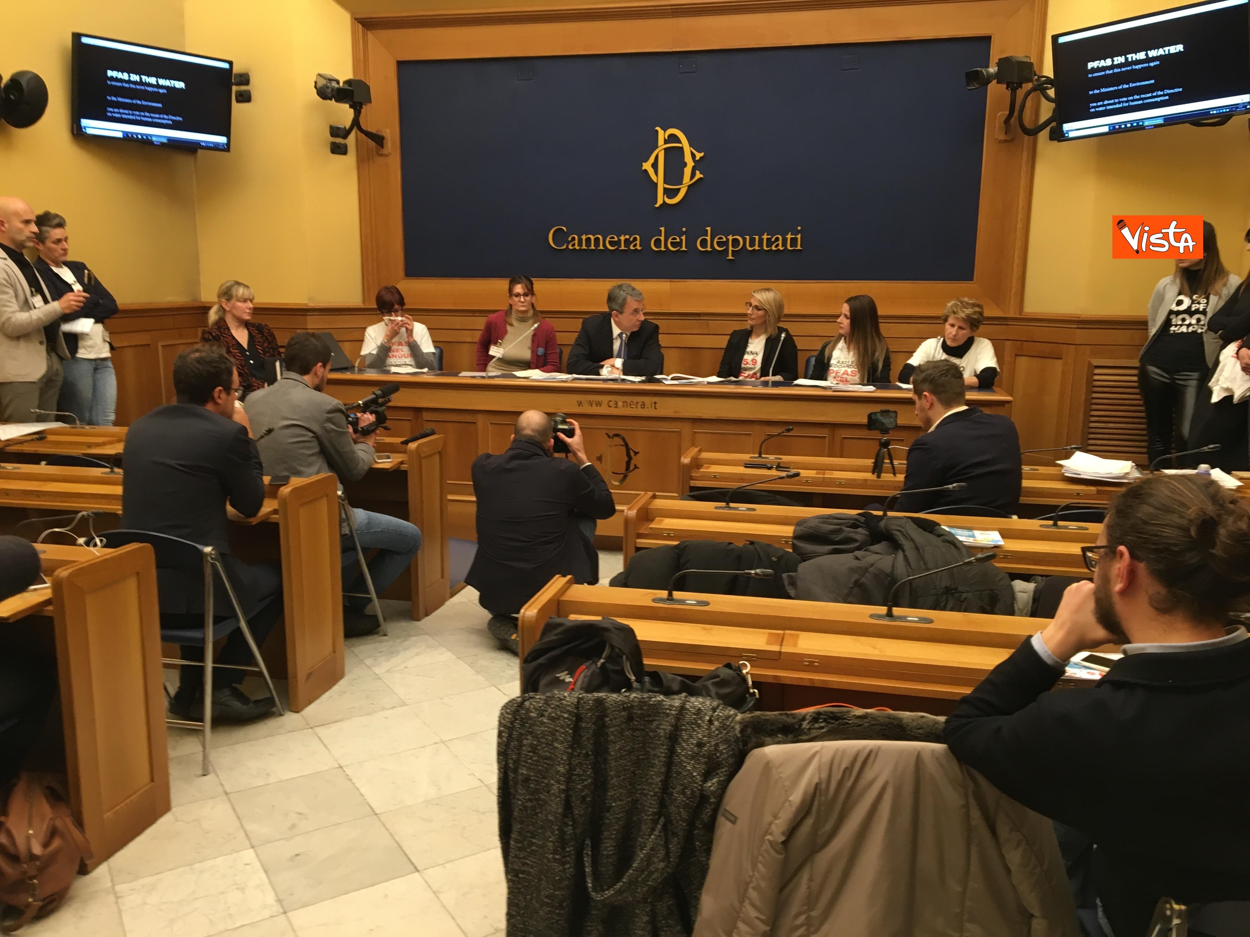 10-01-19 Costa a conferenza Mamme No PFAS alla Camera dei Deputati_09