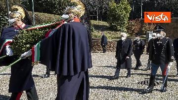 2 - Mattarella rende omaggio alle vittime delle Fosse Ardeatine