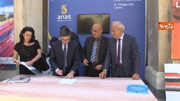 1 - Anas, Cas e Caronte firmano protocollo per efficientamento flussi traffico nello stretto di Messina