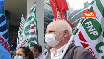 4 - Presidio Cgil, Cisl e Uil palazzo Lombardia a Milano, le foto della manifestazione