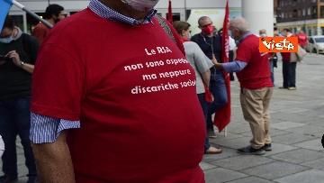 5 - Presidio Cgil, Cisl e Uil palazzo Lombardia a Milano, le foto della manifestazione