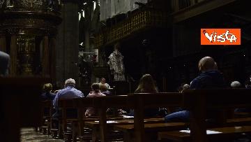 """1 - Riapre il Duomo di Milano, """"Vi aspettavamo da tanto tempo"""", le prime parole del sacerdote ai fedeli"""