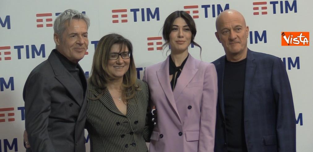 Bisio, Baglioni e Raffaele e la direttrice De Santis in conferenza dopo la prima serata di Sanremo